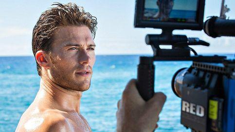Scott Eastwood, un musculoso surfero en aguas del Cabo