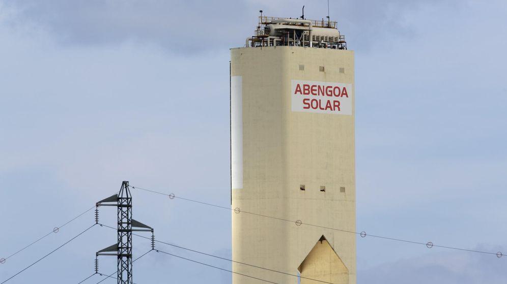 Foto: Una de las torres de Abengoa en Andalucía. (Reuters)
