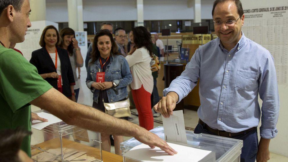 El PSOE confirma que descarta apoyar a Mariano Rajoy por acción u omisión