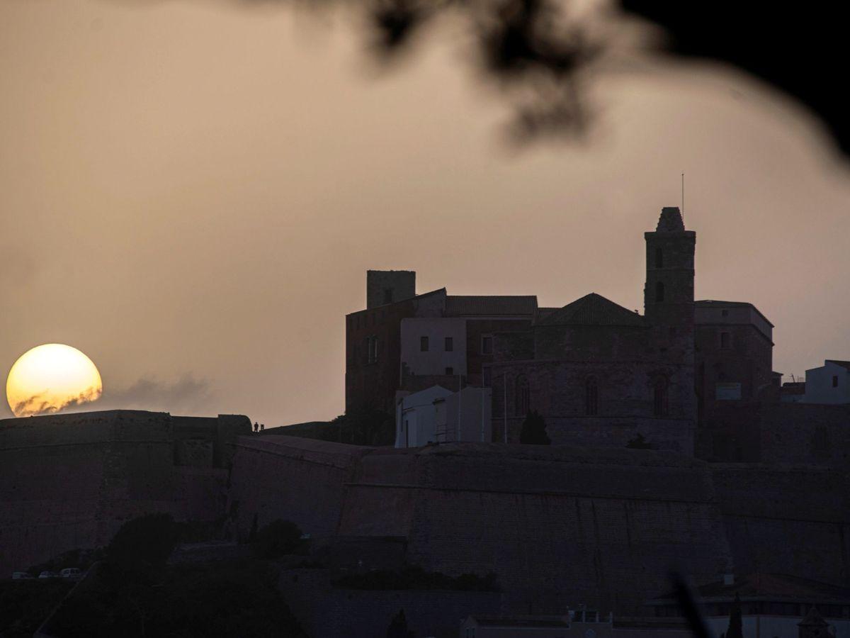 Foto: Puesta de Sol en Ibiza. Foto: EFE CATI CLADERA