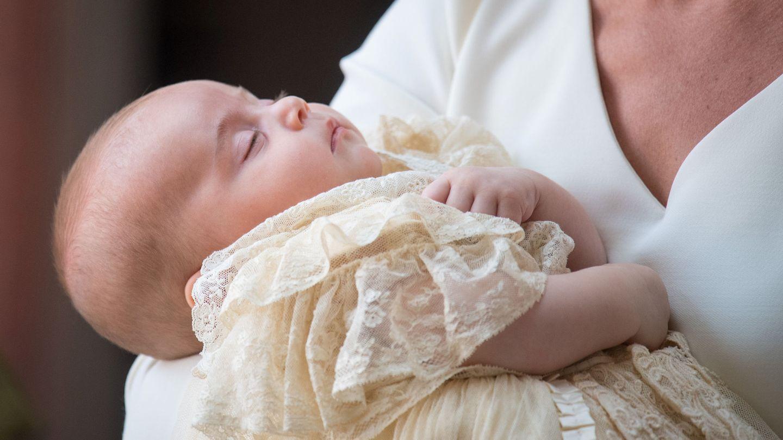 El príncipe Louis durante su bautizo. (Reuters)