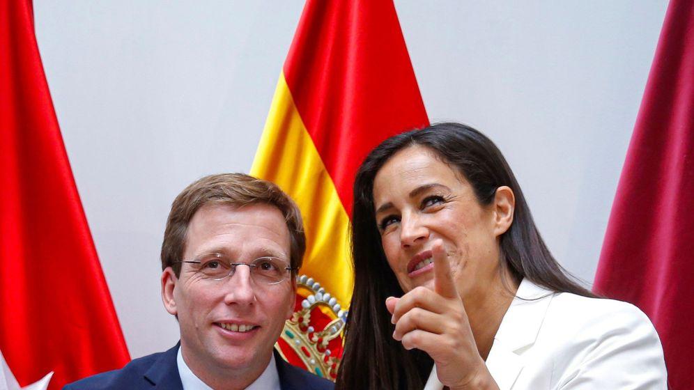 Foto: El nuevo alcalde de Madrid, José Luis Martínez Almeida del PP y la vicealcaldesa, Begoña Villacís de Ciudadanos. (EFE)