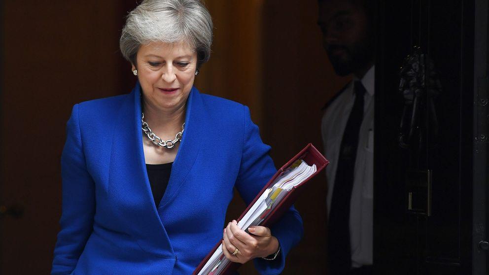 Los más duros del partido de May impulsan que se someta a una moción de confianza