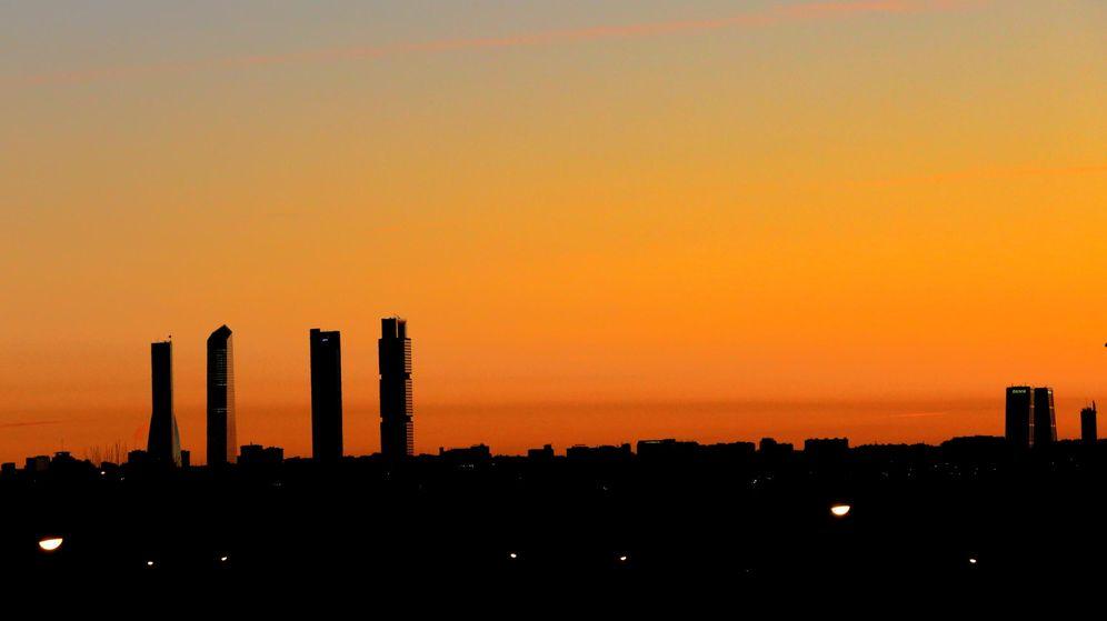 Foto: 'Skyline' de Madrid en un atardecer. (EFE)