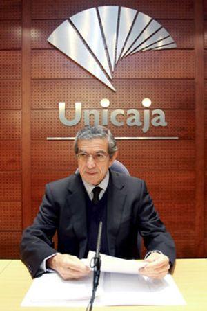 Medel estará 25 años como presidente de Unicaja gracias a la nueva Ley de Cajas
