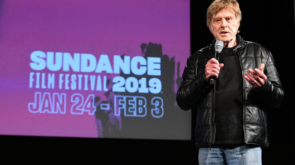 Foto: Redford, anunciando su retirada de Sundance. (Getty)