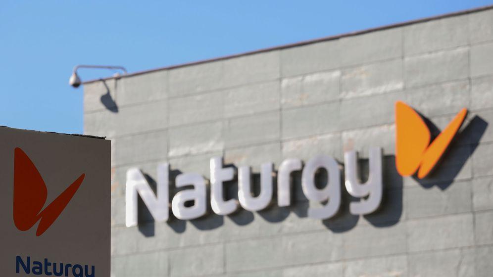 Foto: Lodo de Naturgy en la sede central de Madrid. (Reuters)
