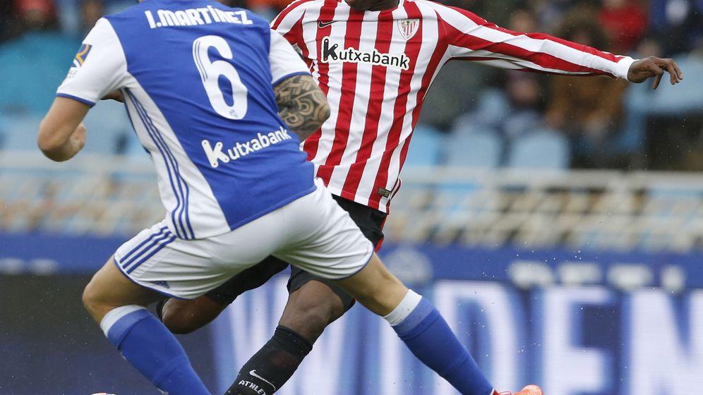 Foto: El nombre de Iñigo Martínez desaparecerá de las camisetas donostiarras. (EFE)
