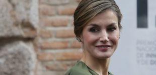 Post de El vestido capa de Doña Letizia que nos ha dejado con la boca abierta