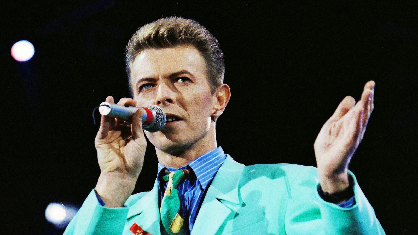 Foto: David Bowie en el tributo a Freddy Mercury. (Reuters)