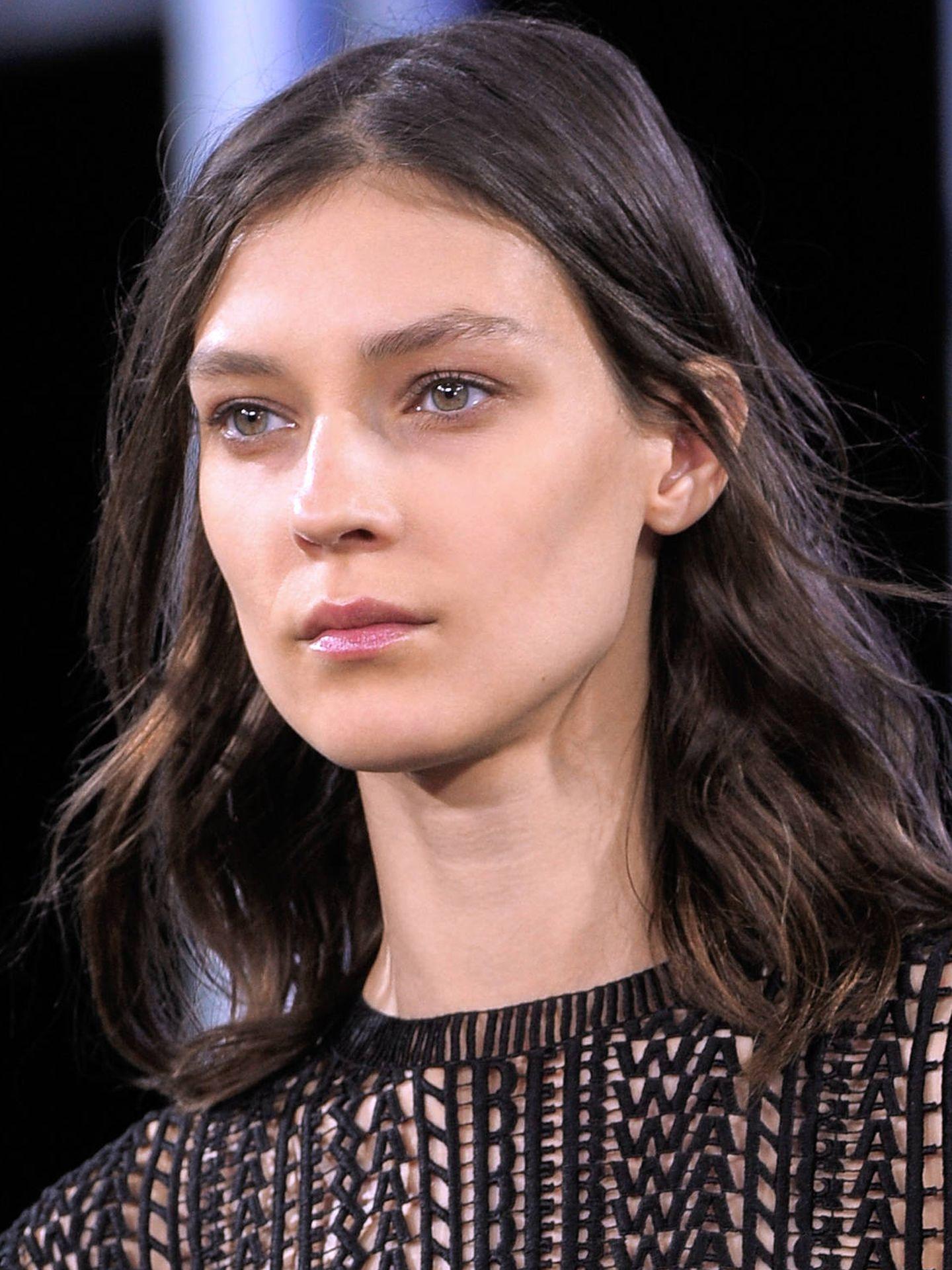 El maquillaje muy natural ha sustituido a las bases demasiado gruesas. (Imaxtree)