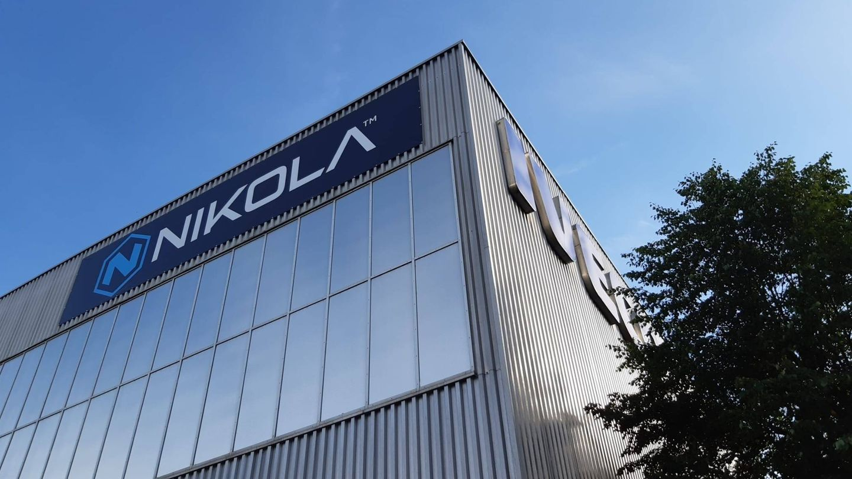 La nueva fábrica de Iveco y Nikola en Ulm ocupa una superficie de 50.000 metros cuadrados, la mitad de ellos cubiertos.