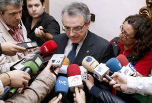 """Sanz dice que no le """"preocupa en exceso"""" que PP se presente en Navarra y vaticina que saldría """"más perjudicado"""" que UPN"""