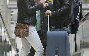 Foto: Elena y Leo se reencuentran en el aeropuerto