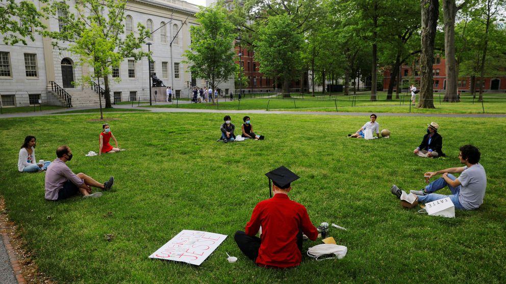 ¿Pagarías 50.000 dólares por un máster en Harvard por Zoom y desde Madrid?