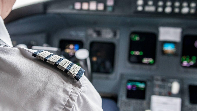 Foto: Los pilotos no informan de su enfermedad por miedo a perder el trabajo. (iStock)