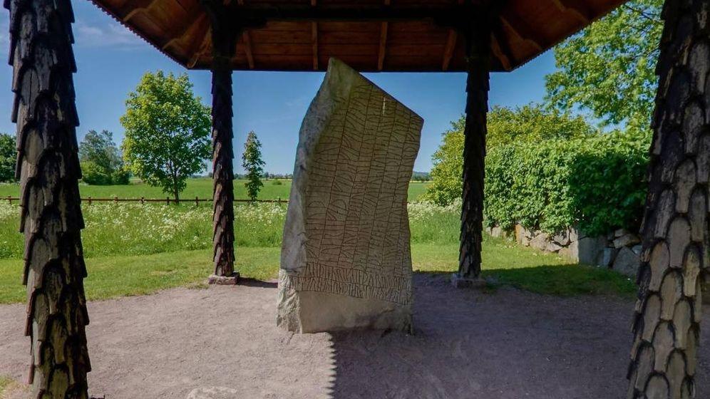 Foto: La piedra rúnica de Rök