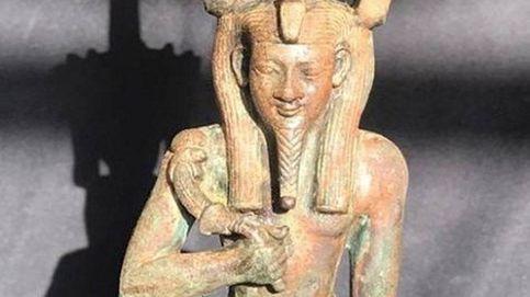 Hallan una estatuilla de un dios egipcio de más de 2.500 años