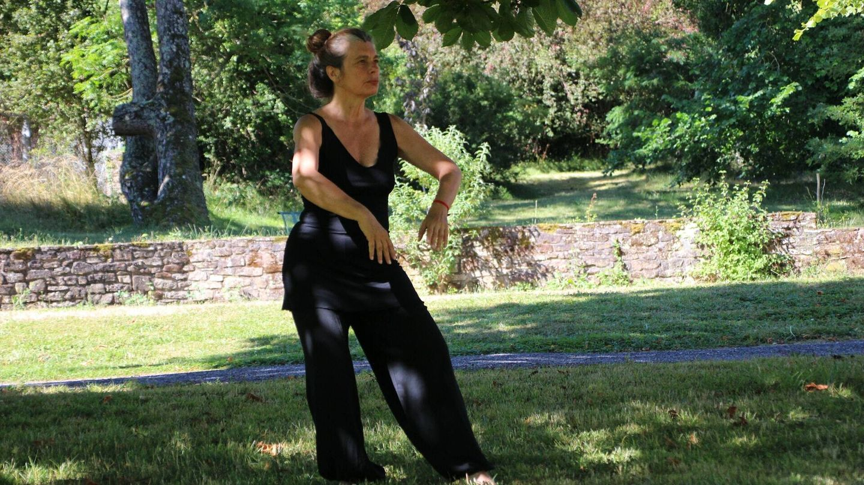 El estilo Chen implica movimientos lentos y rápidos en los que hay que agacharse, dar patadas y puñetazos (Unsplash)