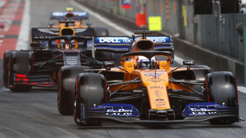 Carlos Sainz buscará ganar puestos en la salida este domingo en Shanghái. (EFE)