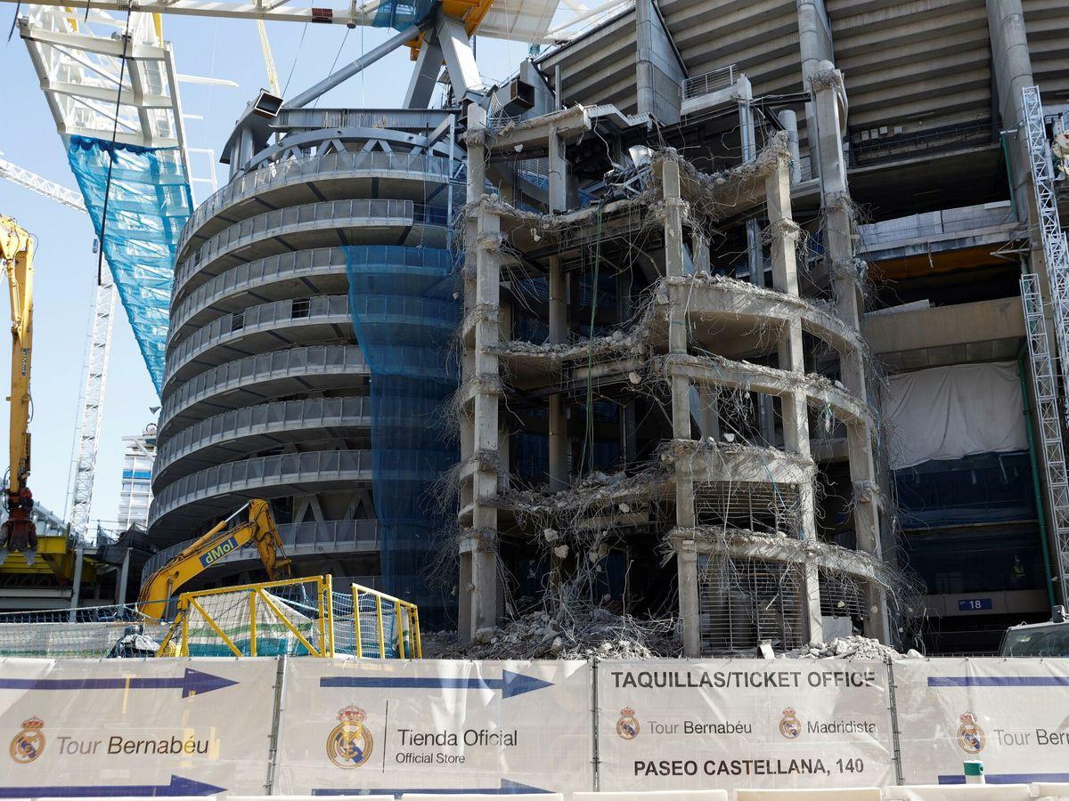 Foto: Continúan las obras de remodelación del estadio santiago bernabéu. (EFE)