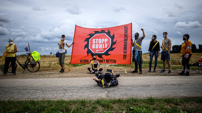Protesta contra la expansión de una mina de carbón a cielo abierto en Alemania. (Getty)
