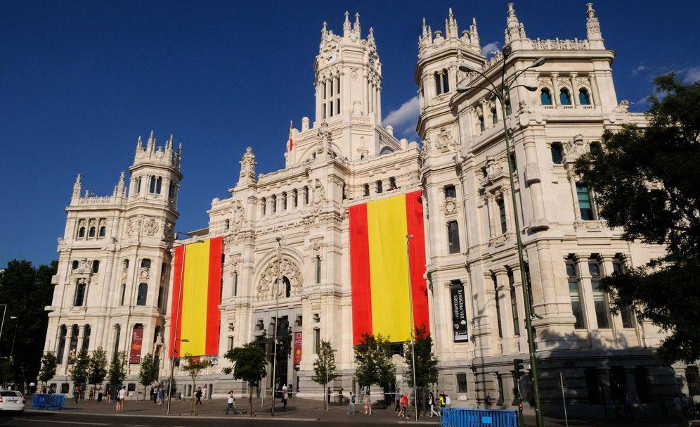 Foto: Ayuntamiento de Madrid con banderas de España. (Foto: Ayuntamiento de Madrid)