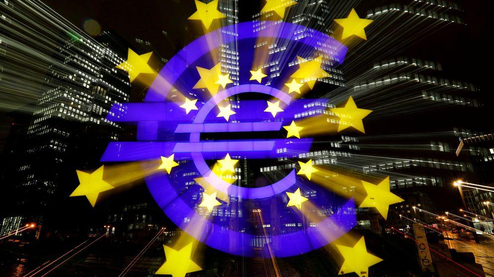 Foto: El logo del símbolo del euro. (Reuters)