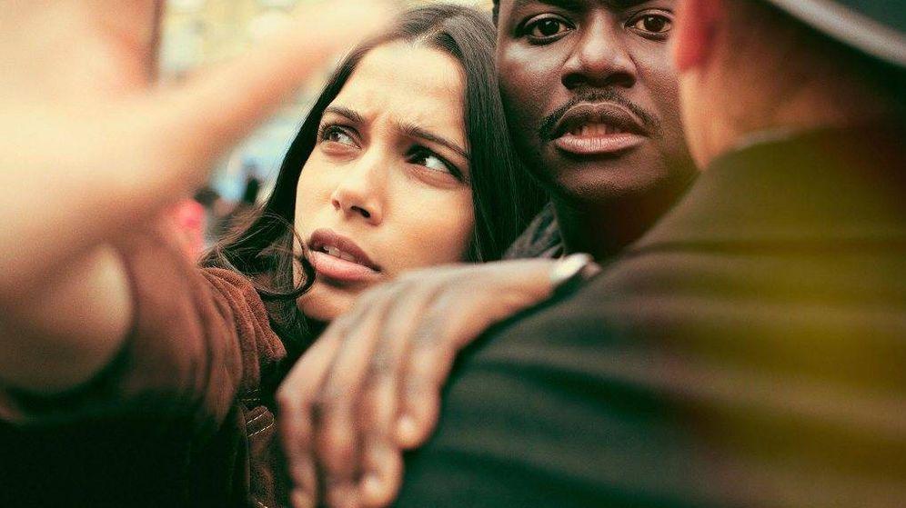 Foto: Freida Pinto y Babou Ceesay, protagonistas de 'Guerrilla'.