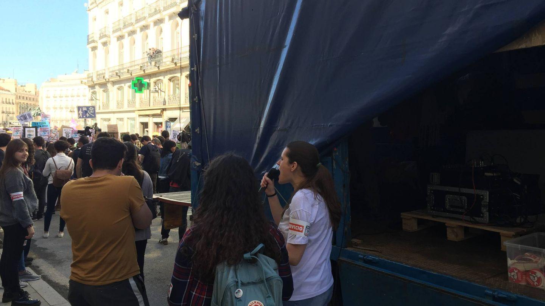 Miembros del Sindicato de Estudiantes arengan a las masas (A.V)