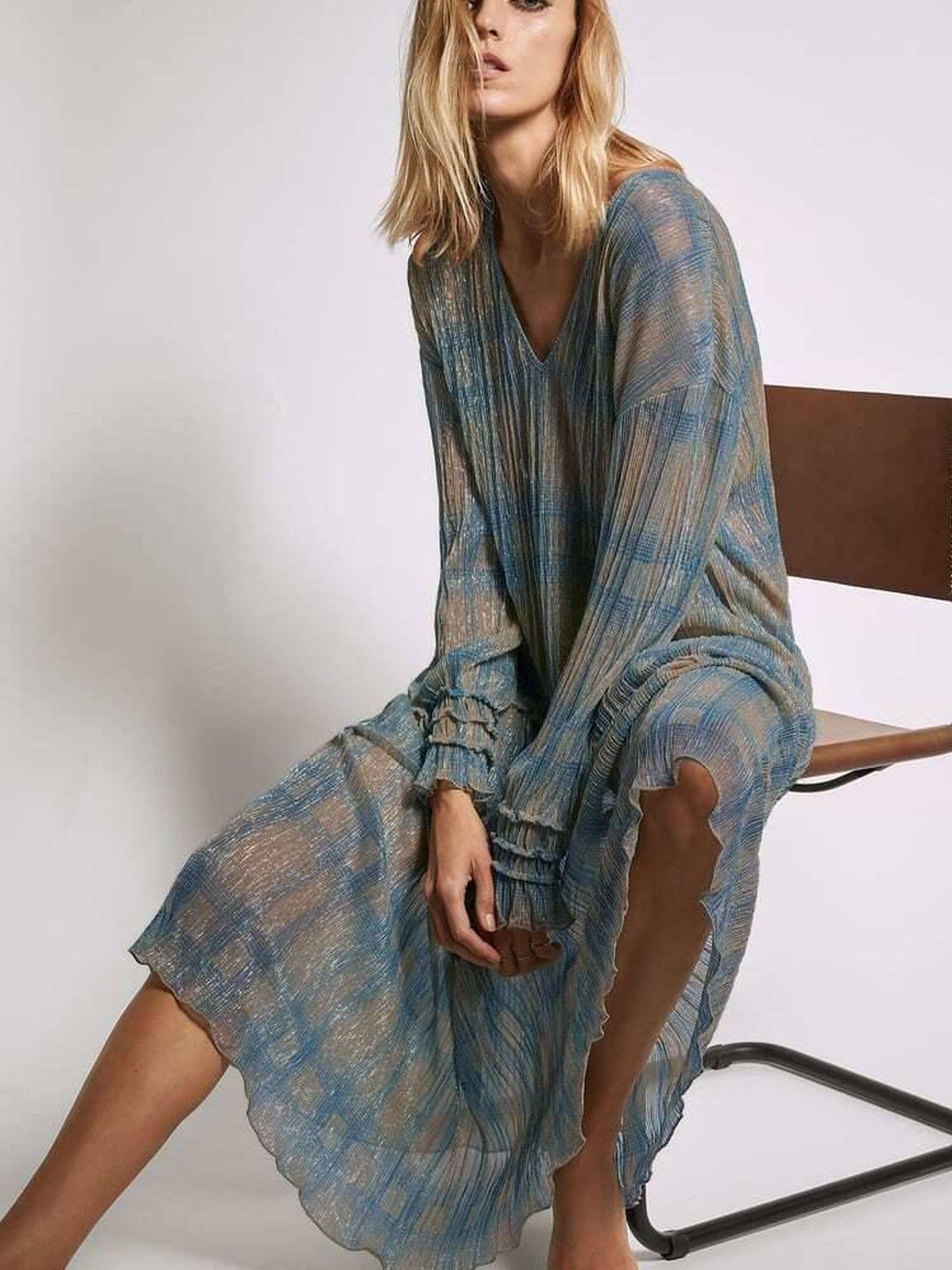 Vestido largo y bohemio de Zara. (Cortesía)