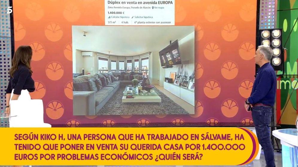 Foto: Momento en el que Kiko Hernández muestra en 'Sálvame' la casa en venta de Terelu Campos. (Mediaset España)