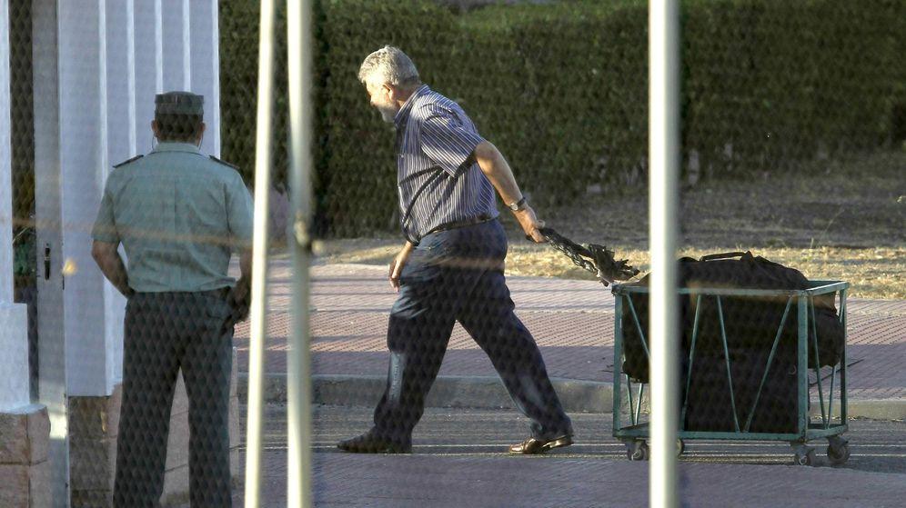 Foto: Imagen de archivo del narcotraficante Laureano Oubiña en una de sus salidas de prisión. (EFE)