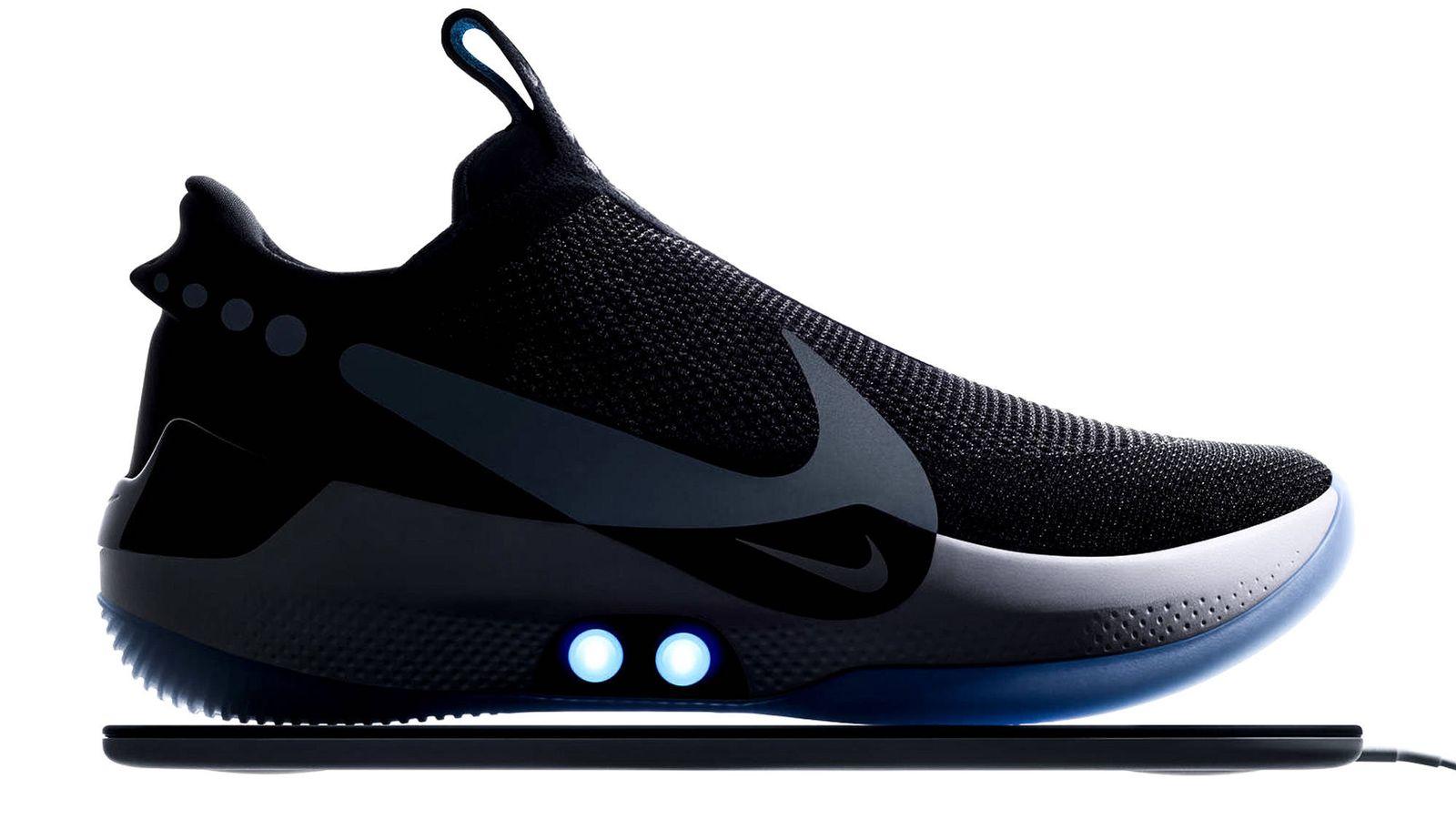 Feudo Dificil Sociedad  Moda hombre: Nike crea una zapatilla capaz de ajustarse sola