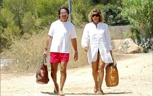Nueva guarida para los Aznar en Marbella con un muro antipaparazzi