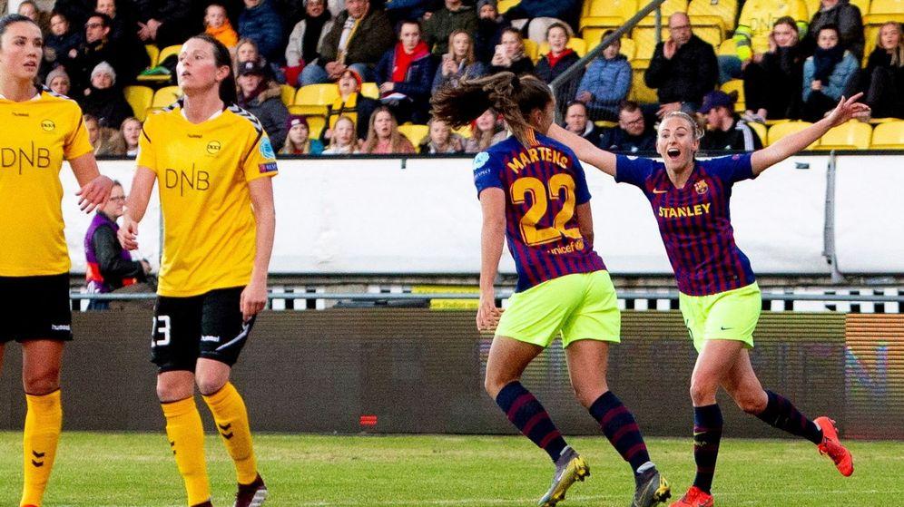 Foto: Lieke Martens (número 22) marcó el gol de la victoria del Barcelona ante el LSK. (EFE)