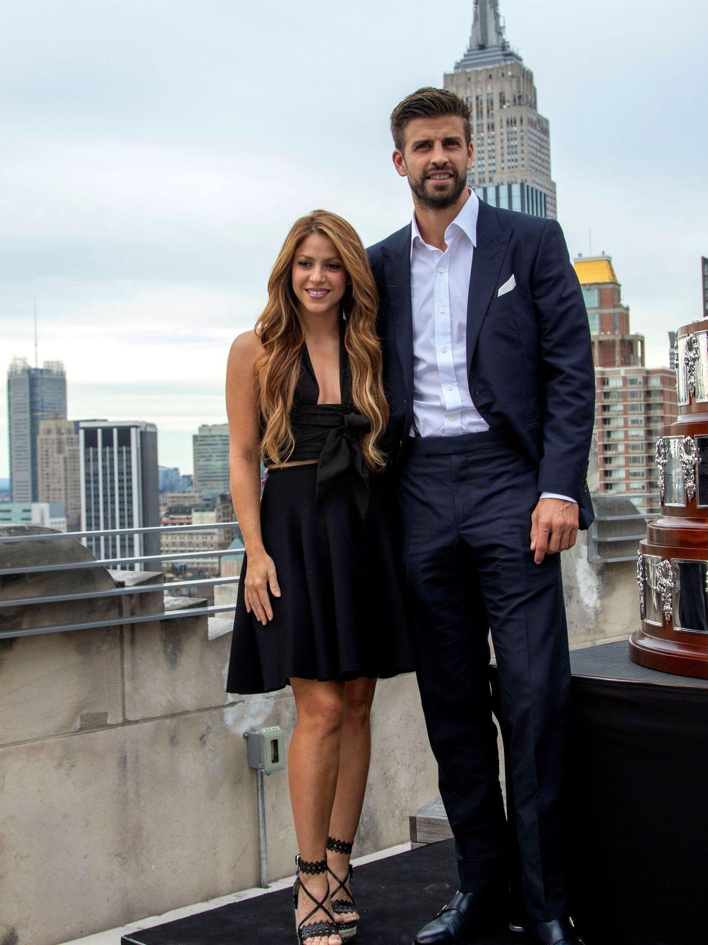 Gerard Piqué y su pareja, la cantante colombiana Shakira. (EFE)
