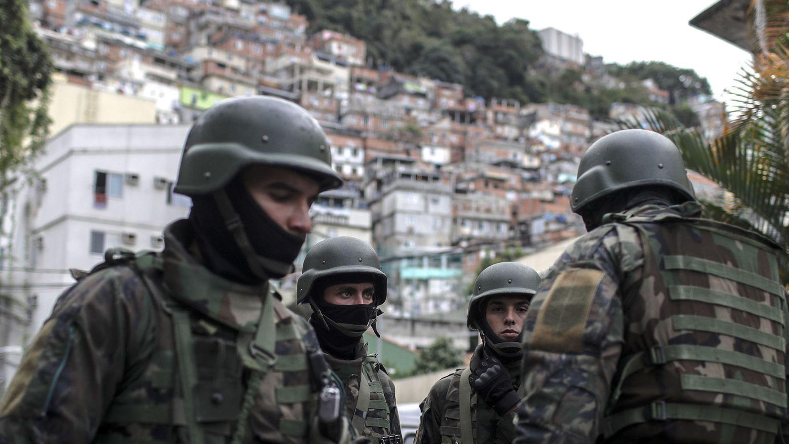 Foto: Imagen de archivo de soldados del ejército brasileño. (EFE)