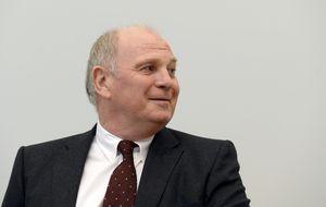 Uli Hoeness, presidente del Bayern, confiesa haber evadido impuestos
