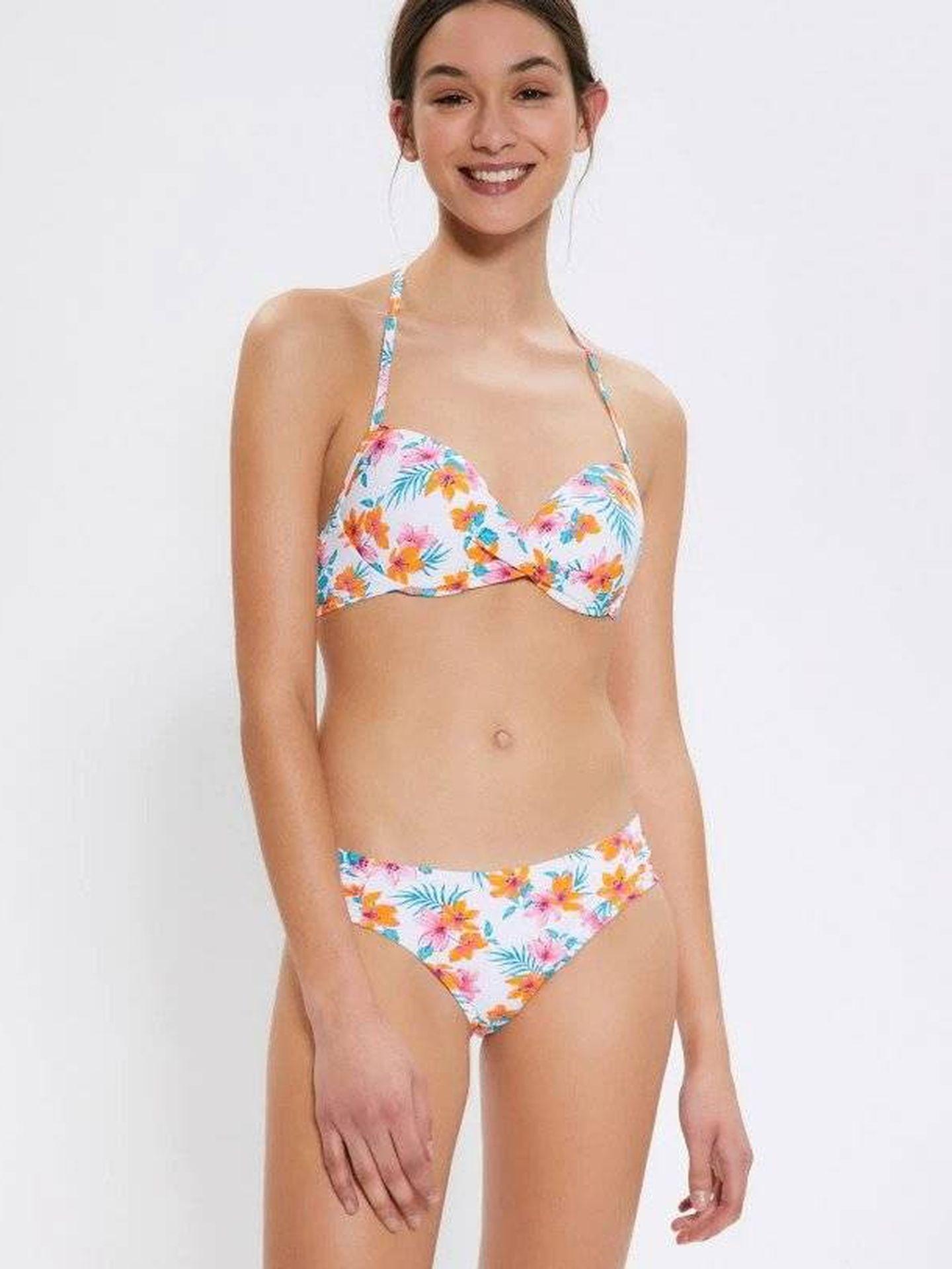 Bikini de flores de Sfera. (Cortesía)