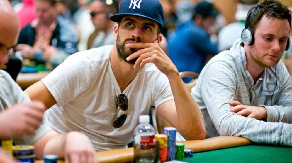 Foto: Gerard Piqué en una imagen de archivo jugando al póker.