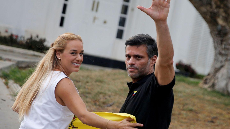El matrimonio, en la residencia del embajador español de Caracas en mayo del año pasado. (Reuters)