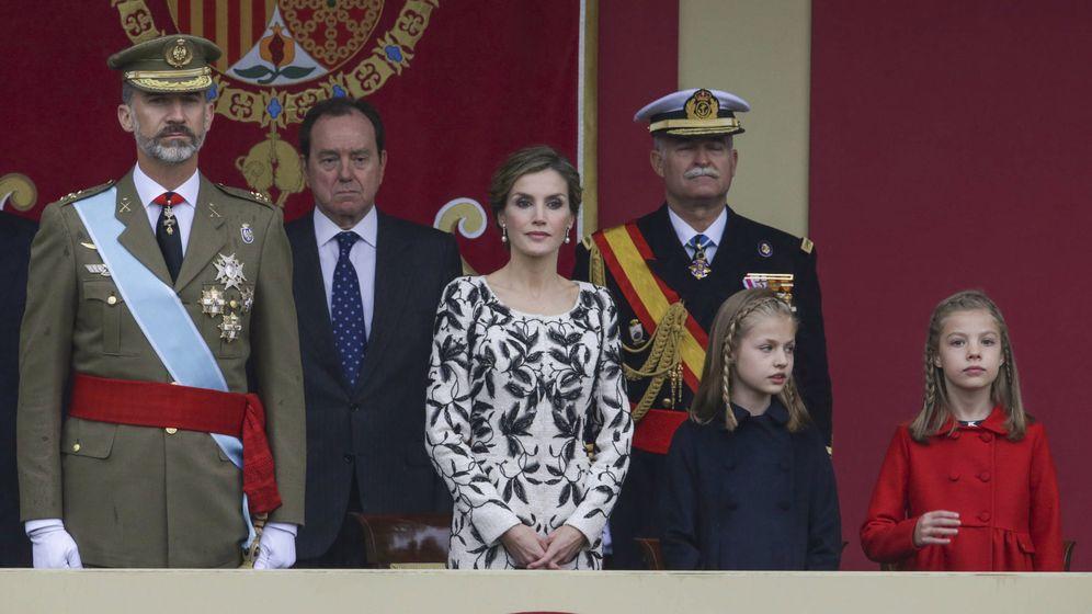 Foto: Los Reyes presiden el desfile del Día de la Fiesta Nacional en 2016. (Reuters)