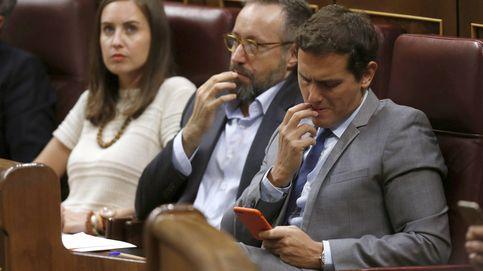 C's contiene la respiración mientras PP, PSOE y Podemos enfilan hacia las elecciones