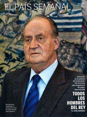 'El Mundo' ataca a la monarquía, 'El País' la defiende