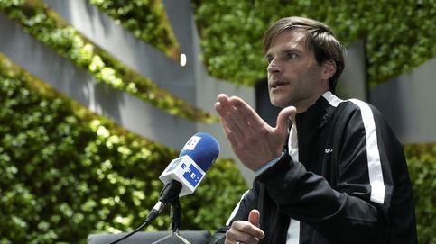 Leo Franco, de la corbata y el protocolo al banquillo del Huesca sin pasos intermedios