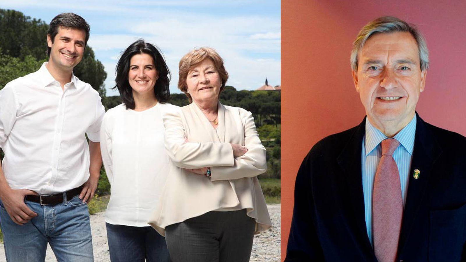 Foto: A la izquierda, los tres ediles de Vox. A la derecha el alcalde José Jover, del PP