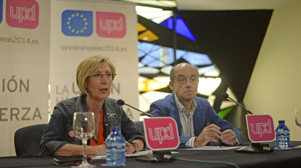 Foto: La portavoz de UPyD, Rosa Díez, acompañada del ya exeurodiputado Fernando Maura (EFE)