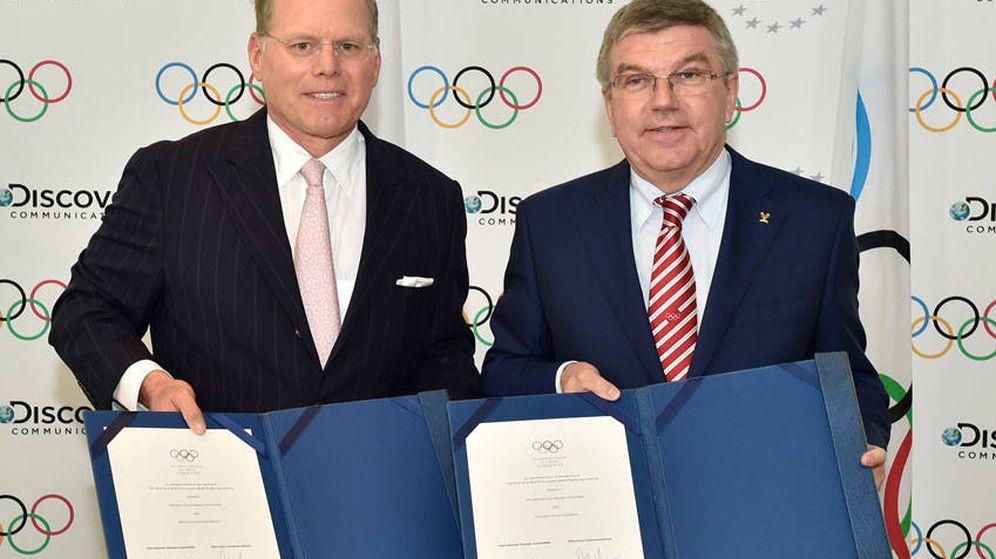 Foto: Firma del acuerdo por el que los derechos han sido cedidos a Discovery Communications. (Discovery)