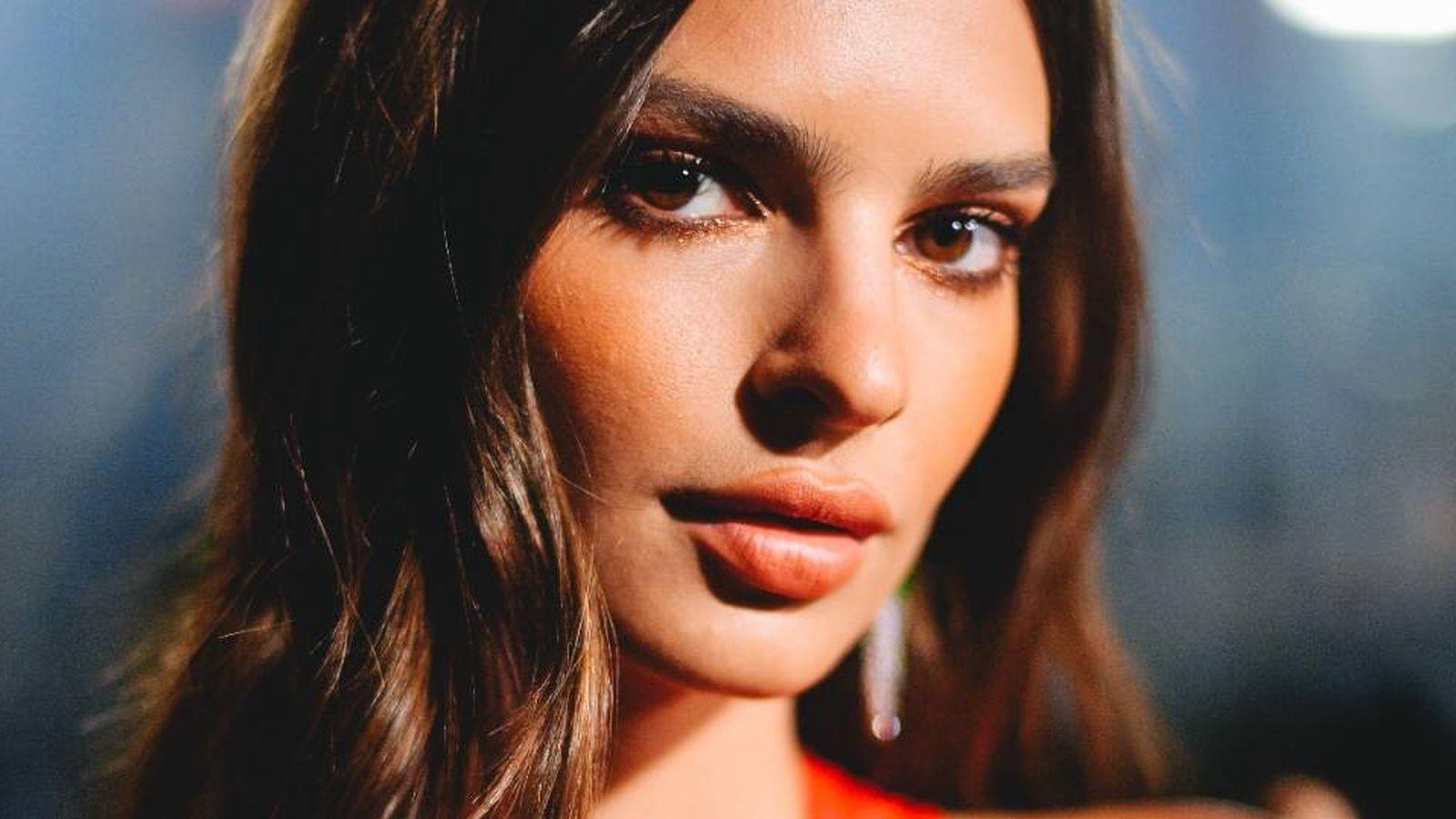 Foto: Emily Ratajkowski es una de las reinas de los labios maquillados XXL. (Getty)